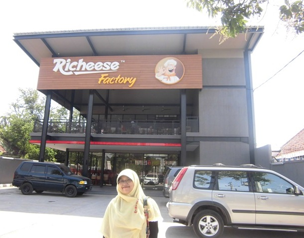 richeese factory cabang tegal