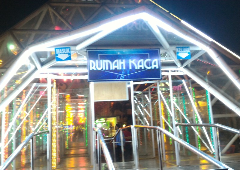 rumah kaca batu night spectacular