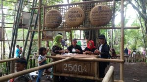 money changer tradisional - pasar slumpring tegal