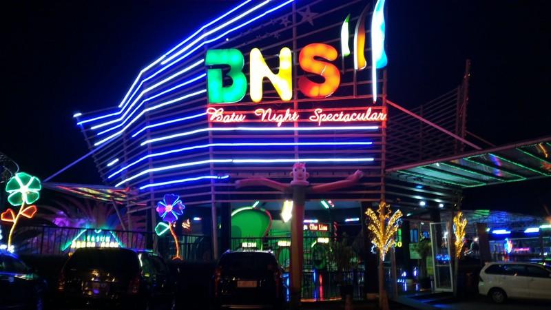 Batu Night Spectacular : Wahana Permainan Seru Di Batu ...