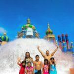 Rekreasi di Ciputra Waterpark Surabaya