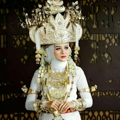 Tari Cangget, Tari Pesta Adat Bujang dan Gadis Lampung (Muli Mekhanai)